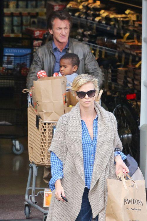 Charlize Theron & Sean Penn's Grocery Run