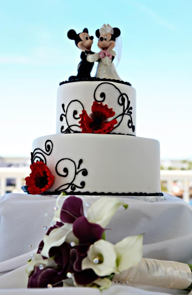disney wedding cake walt disney world wedding disney 39 s mickey minnie mouse cakes pinterest. Black Bedroom Furniture Sets. Home Design Ideas