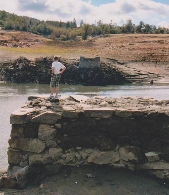 Rattlesnake Bar, Gwynn's, Bridge abutments at low water level, Folsom Lake