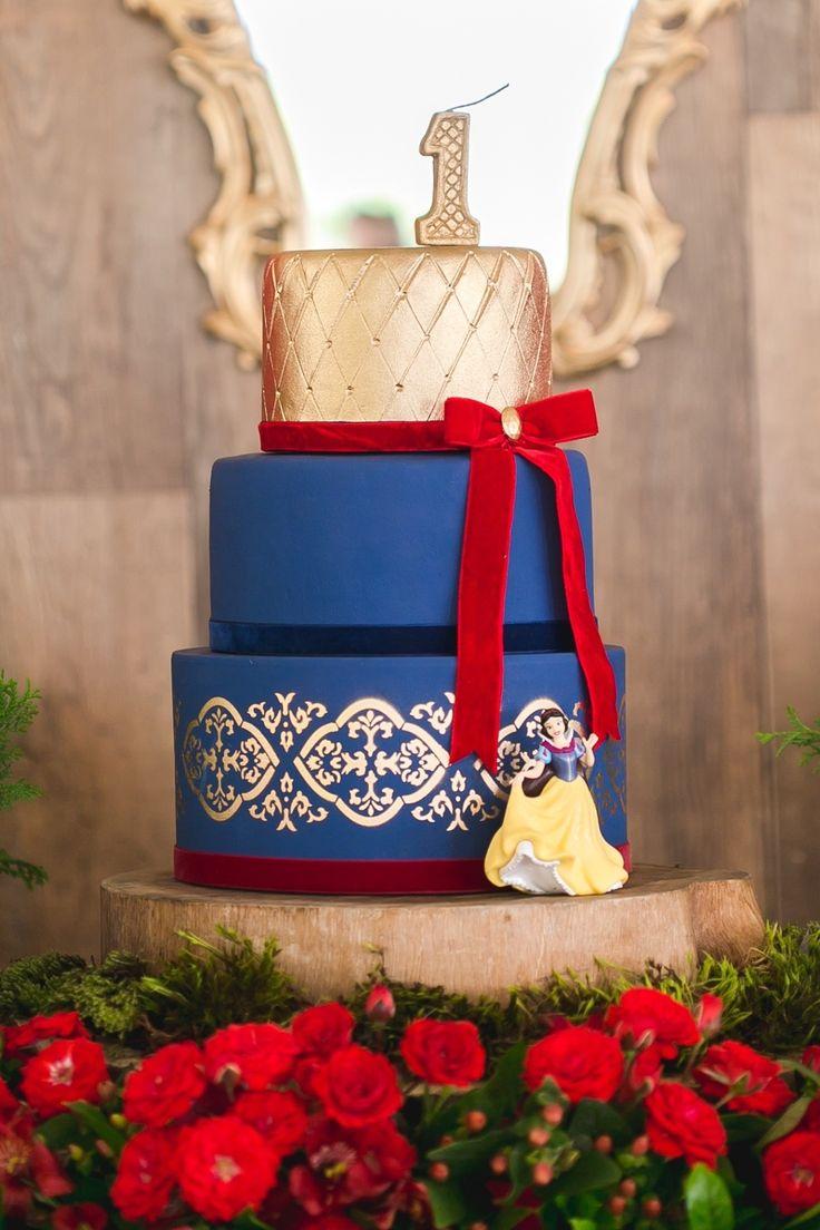Festa de um ano com tema Branca de Neve encanta pela riqueza de detalhes - UOL Estilo de vida