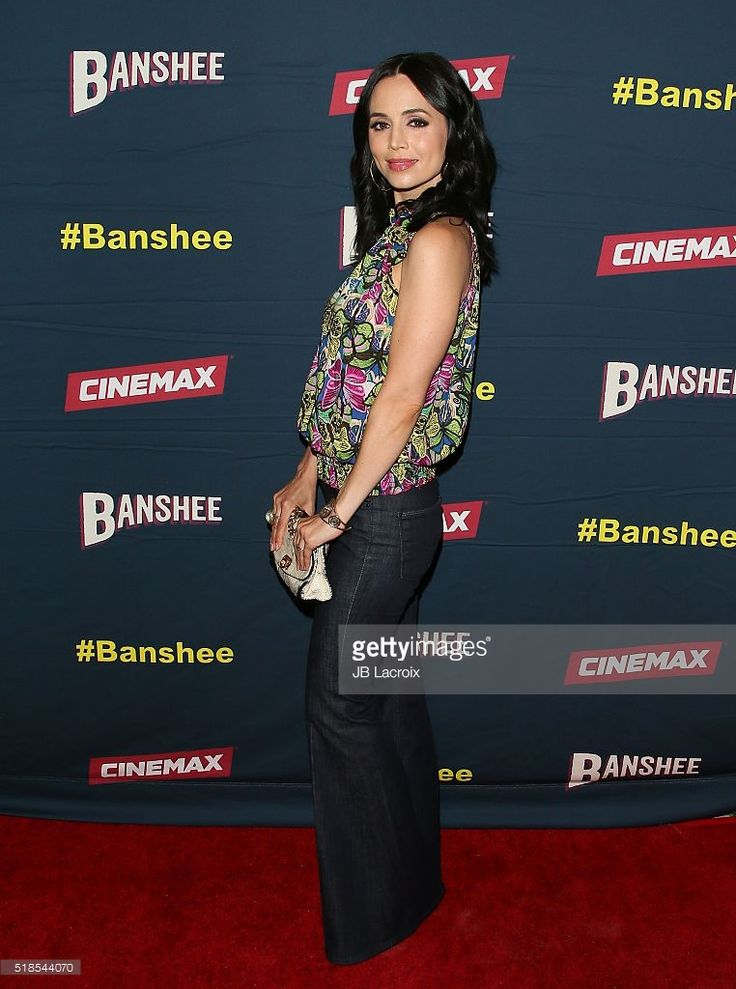 http://media.gettyimages.com/photos/actress-eliza-dushku-attends-the-premiere-of-cinemaxs-banshee-4th-at-picture-id518544070