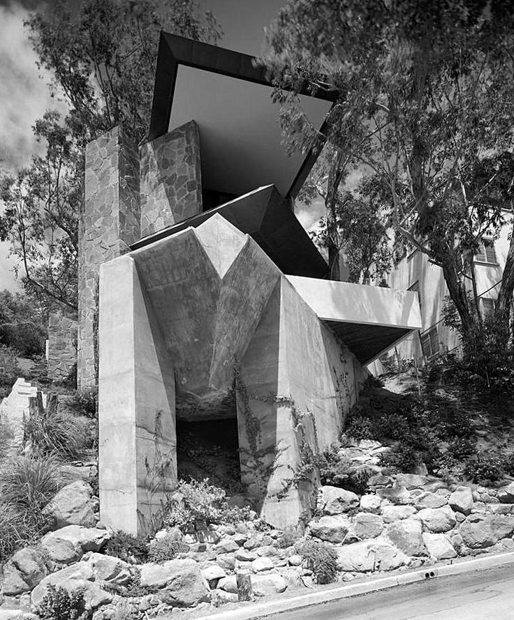 Still looks like cutting edge architecture. Wolff House 1961 | Los Angeles, California | John Lautner