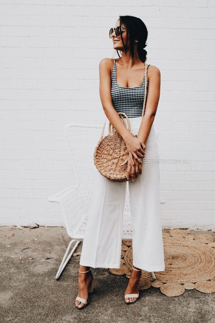 Cropped flare pants outfit