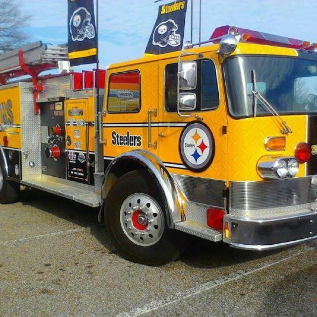 Steelers fire truck.. My brother & dad would love to work this engine.