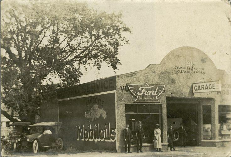 Main Street; Harper's garage, later Baigent's. [P2-874-2044] | Upper Hutt City Library