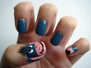 Eeyore nails. reminds me of you @Lauren Purdy <3  Awwww love you ;)<33 @Brittany Sardzinski
