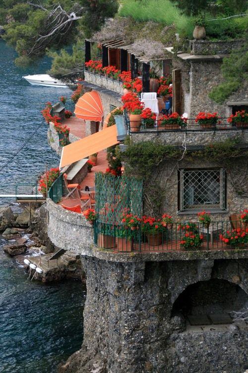 bluepueblo:   Seaside House, Portofino, Italy photo via linda