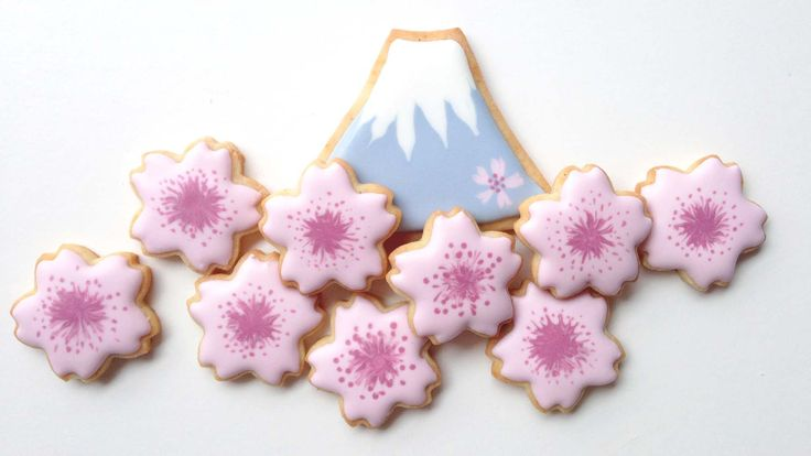 How To Decorate Mount Fuji and Sakura Cookies!