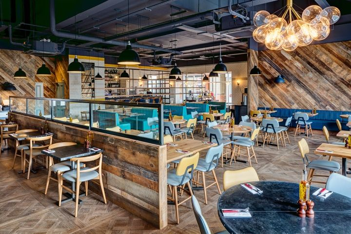 We introduced a new restaurant into a vacant retail unit combining the brand ethos of reclaimed materials in a simple and uncomplicated design that would act as a premium destination for shoppers.