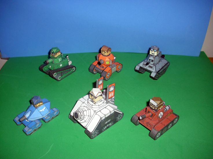 The various tanks available to each faction; factions are (clockwise) Green Stars, Mercenaries (that one is of the Dogs of War), Black X, Red Hammers, White Lotus, and Blue Falcons. All designs and these models themselves are property of Jim Bowen. You can see some of his work at http://newobmij.tumblr.com/