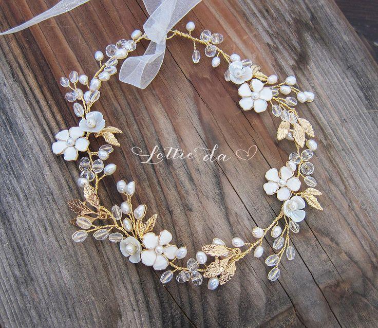 Boho Gold Haar Blume Krone, Halo Haare wickeln, Gold Haare Kranz, Gold Hochzeit Flower Hair Rebe, Boho Hochzeit Headpiece - 'BELLA' von LottieDaDesigns auf Etsy https://www.etsy.com/de/listing/257763571/boho-gold-haar-blume-krone-halo-haare