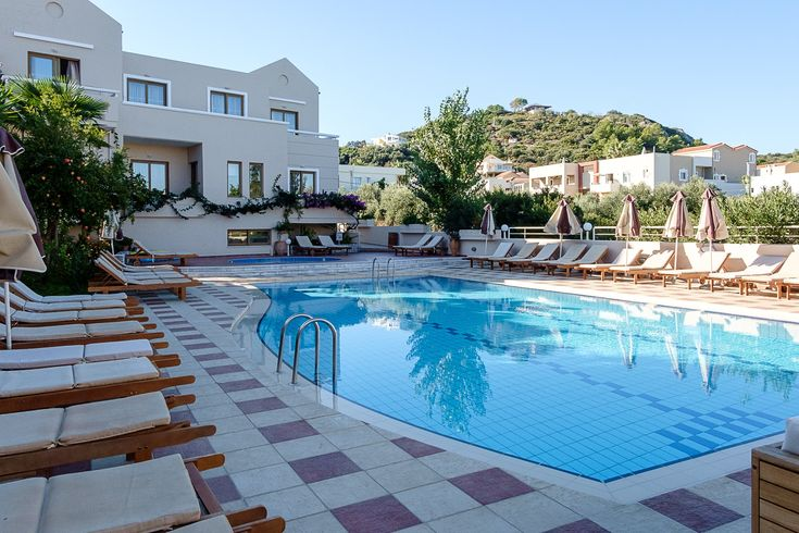 We just love sharing this view!!! Can't you just imagine yourself lounging about around our pool? What are you waiting for, make your reservations today! https://oscarvillage.reserve-online.net/  #Oscar #OscarHotel #OscarSuites #OscarVillage #OscarSuitesVillage #HotelChania #HolidaysChania #HolidaysCrete #HolidaysAgiaMarina #HotelAgiaMarina #HotelCrete #Crete #Chania #AgiaMarina