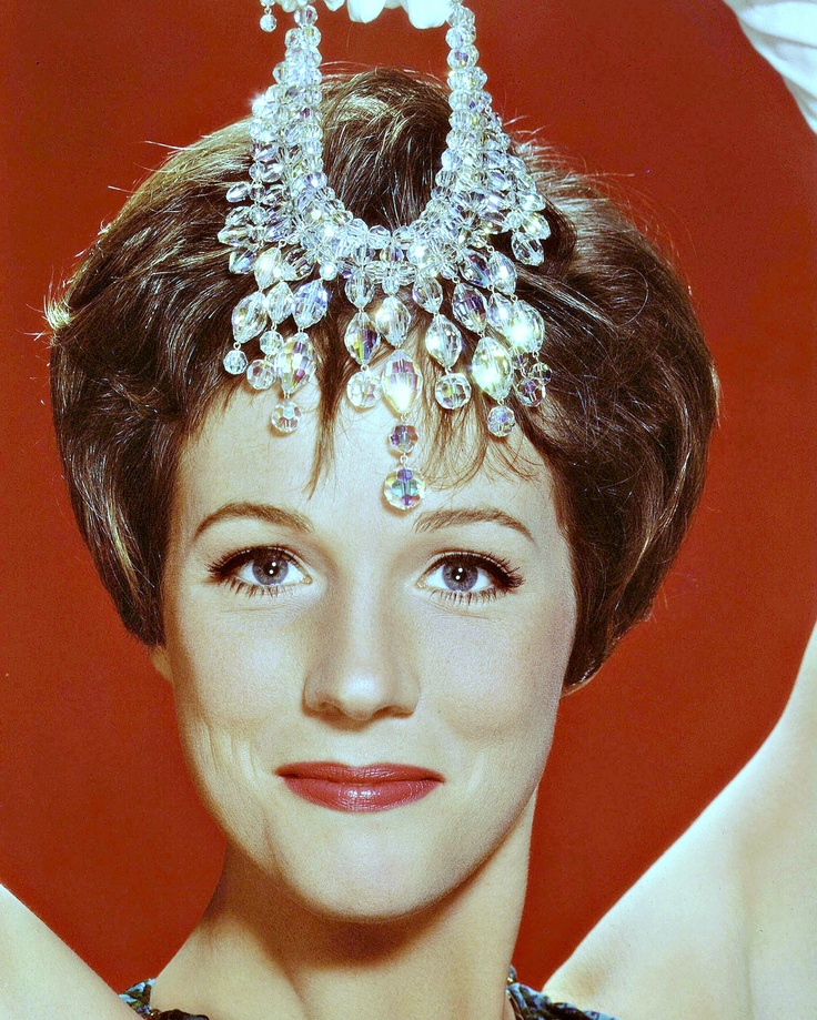 Julie Andrews - Supercalifradgilisticexpialidocious / A Spoonful Of Sugar