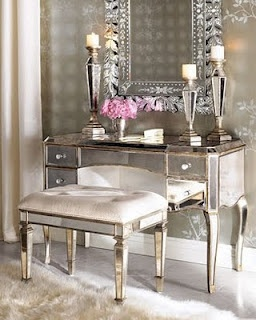 Gorgeous Vanity & very classy. I just love anything with mirrors.