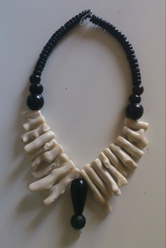 Natural white coral glass beads and coconut beads necklace https://www.etsy.com/shop/FanmMon