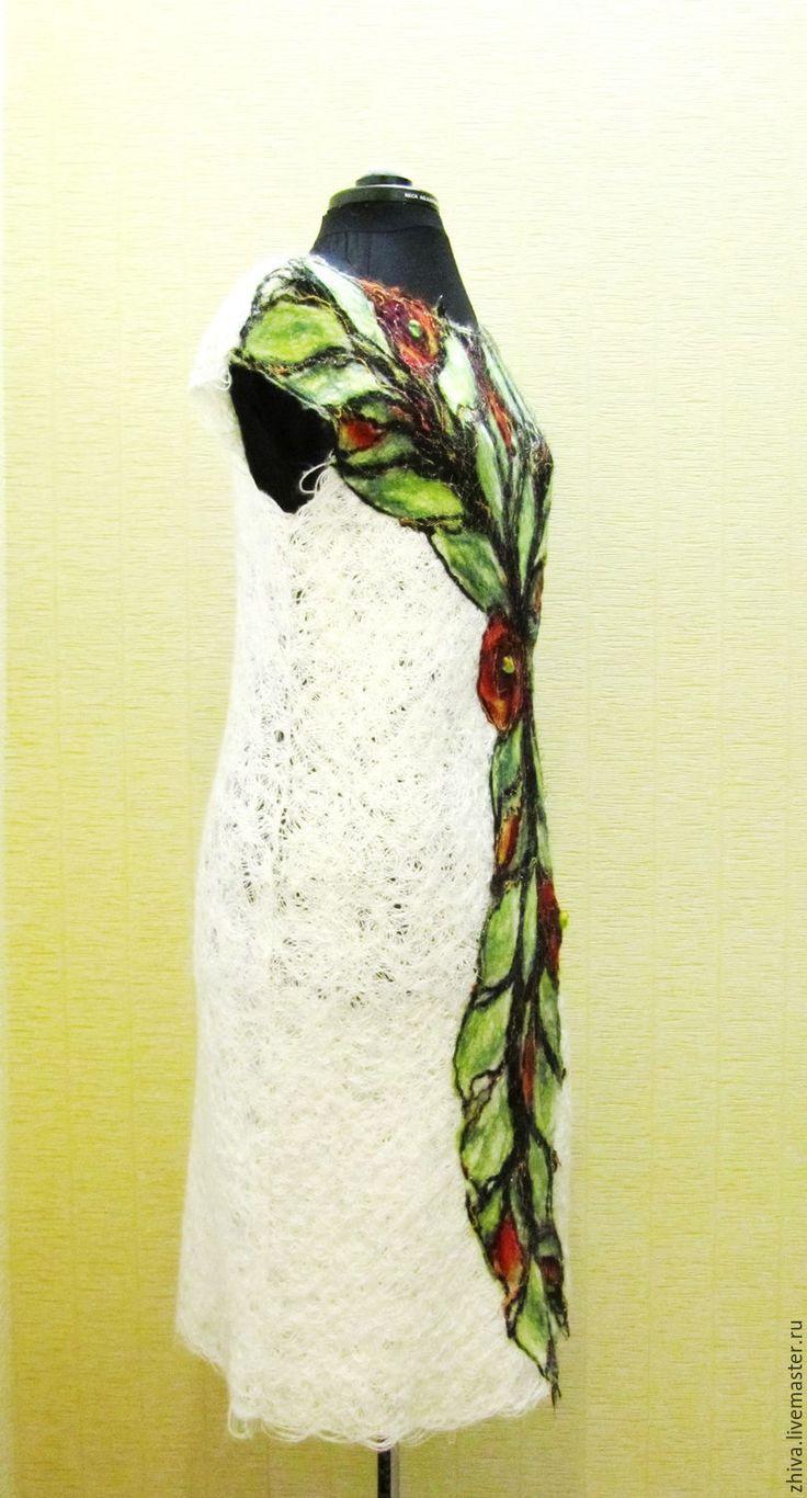 Купить Платье из тонкого мохера и хлопка с вискозой МАКИ - белый, орнамент, цветочный орнамент, маки