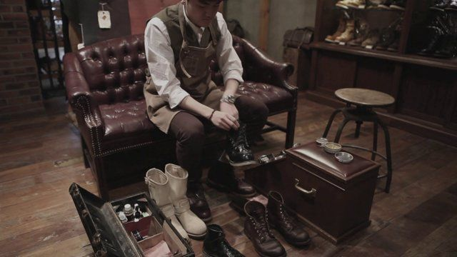 How To Clean Vintage Boots?