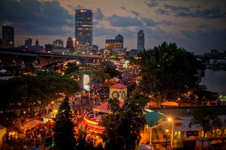 Summerfest Milwaukee WI World's largest music festival
