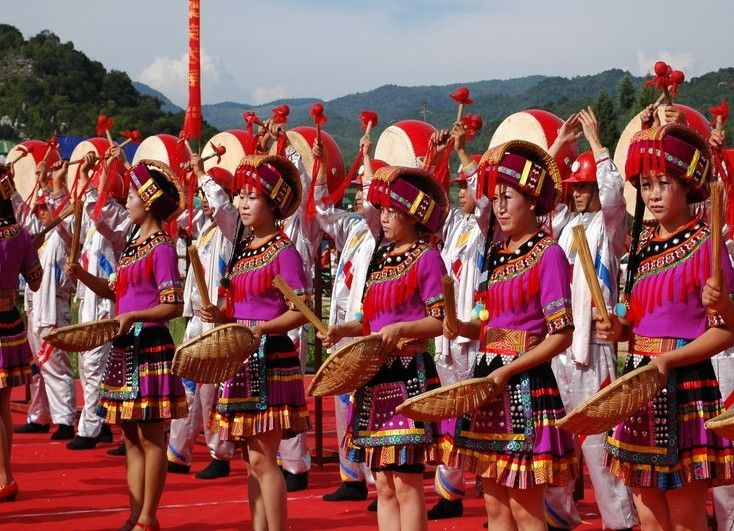 6 Days #Yunnan Ethnic Minority Photo Tour: Yunnan is an ideal destination for natural and folk custom lover.This Tour to Kunming, Xishuangbanna, Dali and Lijiang show you a real Yunnan.  http://www.holidaychinatour.com/tour_view.asp?id=188