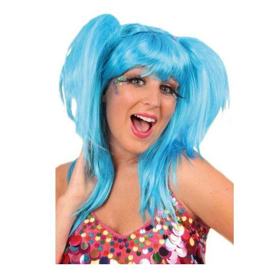 Damespruik aqua met staartjes. Dames pruik met twee zijstaartjes in aqua blauwe kleur. Langharige fel blauwe damespruik voor bij u carnavals of disco outfit.