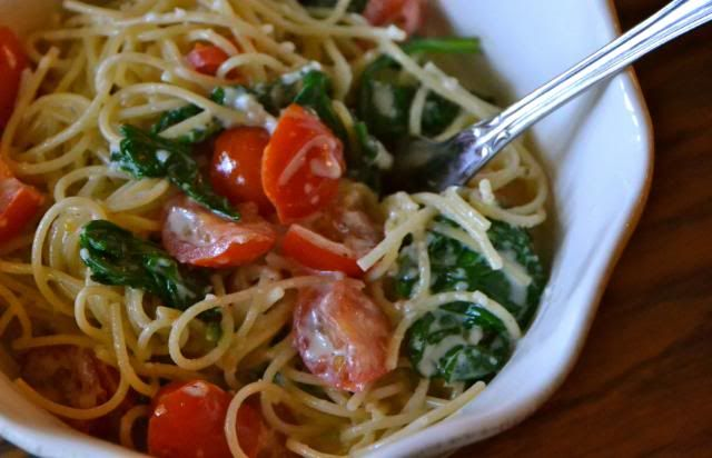 Healthy Pasta with Tomatoes, Spinach and Parmesan Cheese