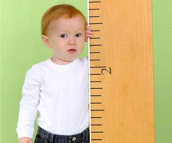 Check out our baby growth chart to calculate your child's height and weight percentile. Whether your little one is going through a growth spurt or you?re worried about baby?s development, keep track of his early childhood development with our growth charts. Click ?start now? to see where your child falls on our boys? and girls? growth charts.