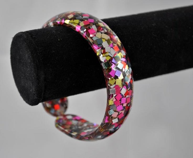 1950's vintage confetti lucite bangle bracelet. in 2019 ...