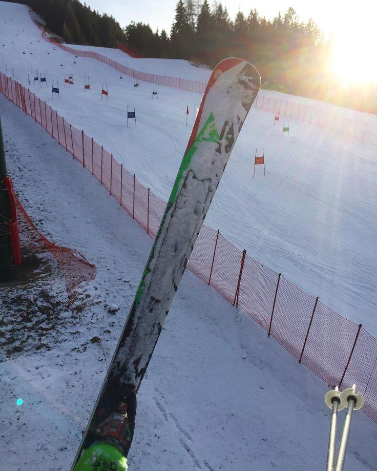First time GS training today after 20 years!!! Sooo much fun!!! #ski #gs #training #gigantslalom #race #carving #snow #sci #allenamento #pali #slalom #alloch #skistadium #francescoadventures  #onepictureadayfrancesco #inviaggioconfrancesco #onepictureadayitaly  Foto Copyright @francesco_eri