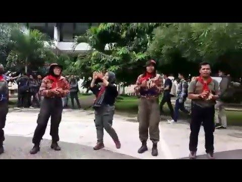 Belajar Asyik di Teras Cikapundung #vlog - YouTube