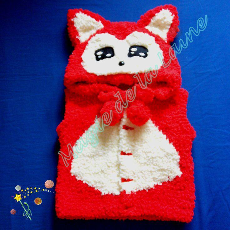 Manteau renard rouge pour enfant, avec ou sans manches, tricoté avec DOUDOU, une laine très douce avec poils. Le manteau, modèle et kit à tricoter se trouvent sur le site www.magiedelalaine.com. Plus d'info sur le blog: http://magiedelalaine.canalblog.com/archives/2015/10/26/32834331.html