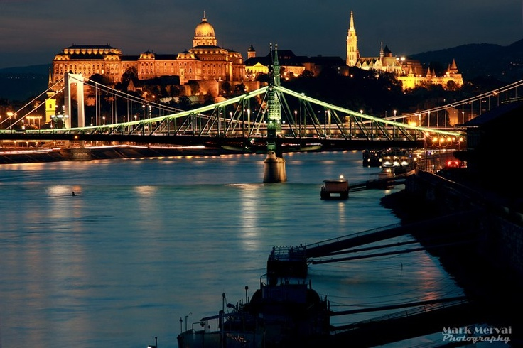 Budapest | When the sun goes down. view on Fb https://www.facebook.com/BudapestPocketGuide  credit: Mark Mervai  #budapest