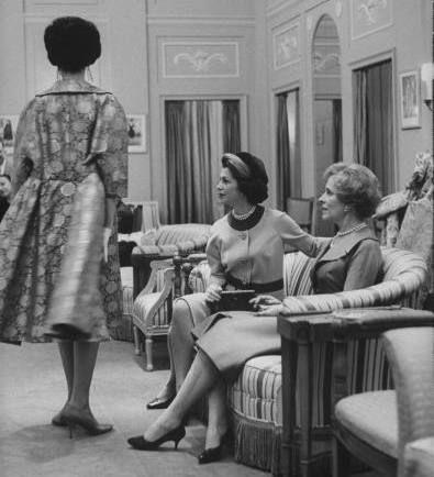 Saks Fifth Avenue - New York (1960).  PODCAST: Saks Fifth Avenue   The Bowery Boys: New York City History
