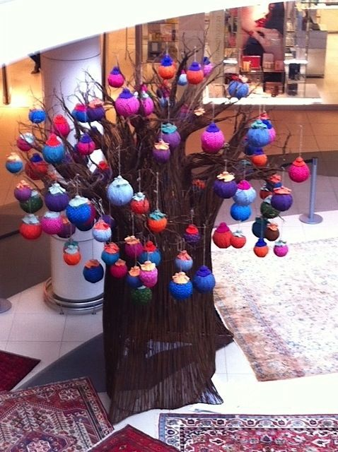 African Christmas Tree at Tyger Valley Centre in Cape Town: baobab decorated with Shweshwe balls.