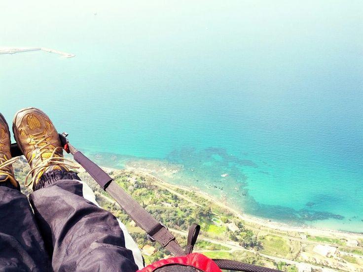 Idee viaggi avventura? #Parapendio a #Pizzo Calabro!More info to >>http://www.viagando.com/parapendio-pizzo-calabro/