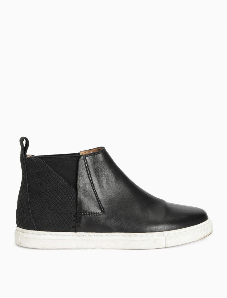 Sacha Sneaker