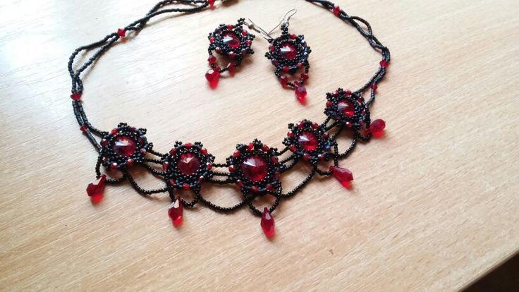 Black red swarovski bead necklace earrings
