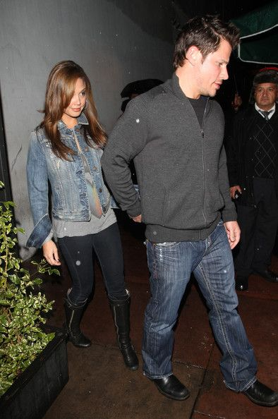 Nick Lachey and Vanessa Minnillo Leave Beso