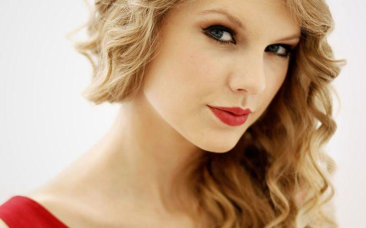 Taylor Swif Lips Wallpapers    http://www.nicewallpapers.in/wallpaper/taylor-swif-lips-wallpapershtml