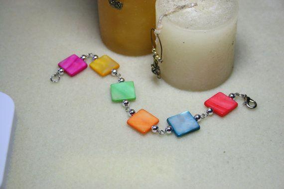 Pretty women' multi coloured square bead bracelet
