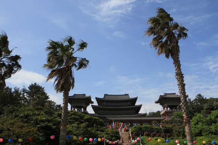 #Corée du Sud : sur l'île de #Jeju, près de #Seogwipo : temple #Yakcheonsa #Bouddhism