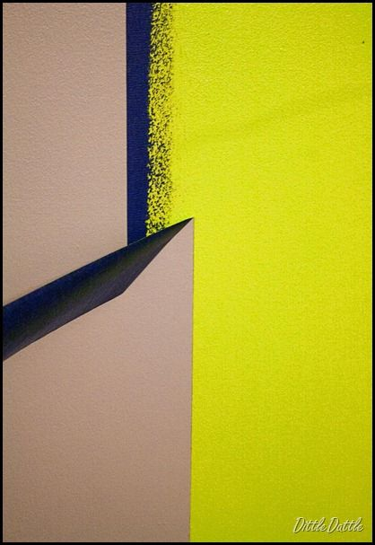 Straight line painting with painters tape that stuff for Painting lines on walls