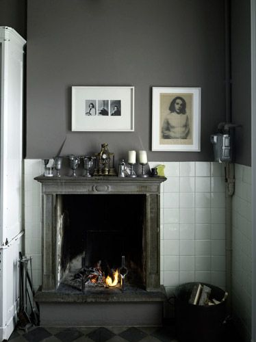 Fireplace: Wall Colors, White Tile, Kitchens Design, Wall Fireplaces, Grey Wall, Design Kitchen, Kitchens Fireplaces, Gray Wall, Fire Places