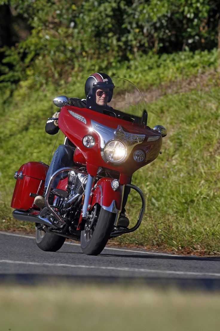Indian Chief Chieftain: http://motorbikewriter.com/2014-indian-chieftain-review/