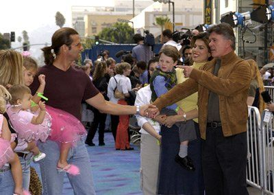 Lorenzo Lamas and Alan Thicke at event of Szörny Rt. (2001)