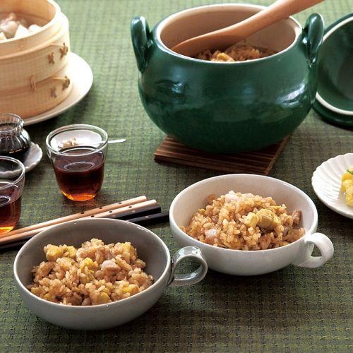 八角、シナモン、花椒などをブレンドしたスパイス「五香粉」を使うだけで、とたんに中華風に。