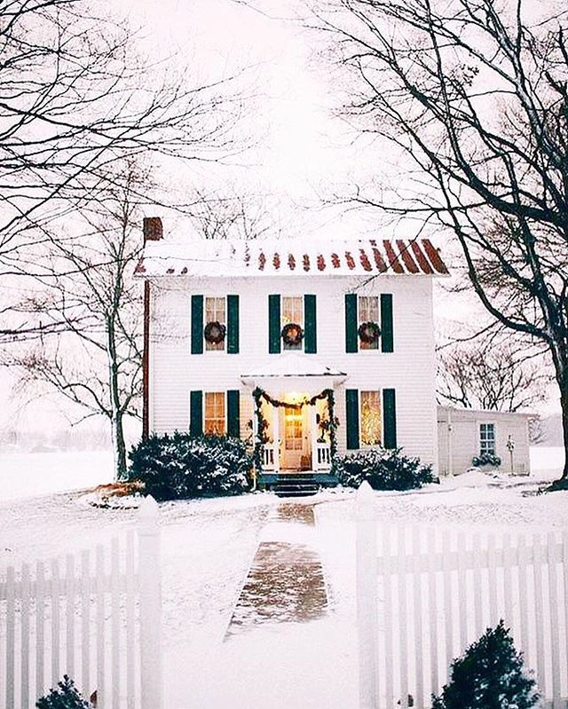 I'm up late, scouring Pinterest for Christmas decor ideas when I came across this photo!  We're currently renting a house here in ABQ, but I cannot wait to someday have a house of our own! I am a big fan of this older colonial style, and I wish this was my house right now because it's perfect!!!!!!! ✨✨✨