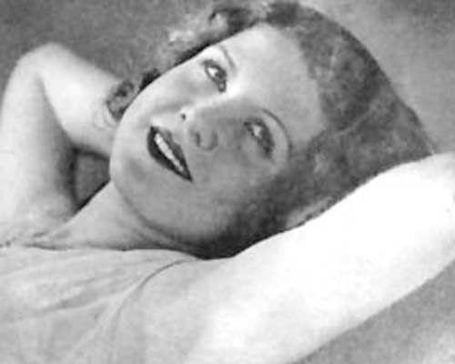 Un foto de Josefina de la Torre. En adición a sus poemas, ella era una actriz y actuaba en el teatro musical por casi toda de su vida.