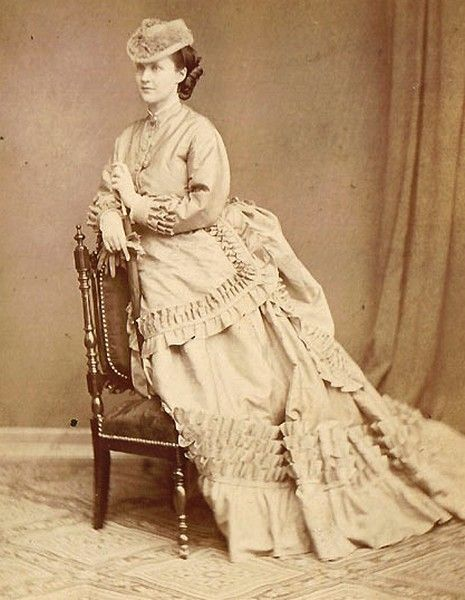 Queen Elisaveta of Romania also known as Carmen Sylva and nee Pss of Wied. 1870s.