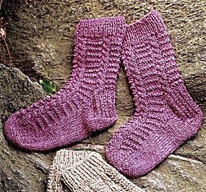 Ladder Twist Socks Free Knitting Pattern. top down socks on double point needles.