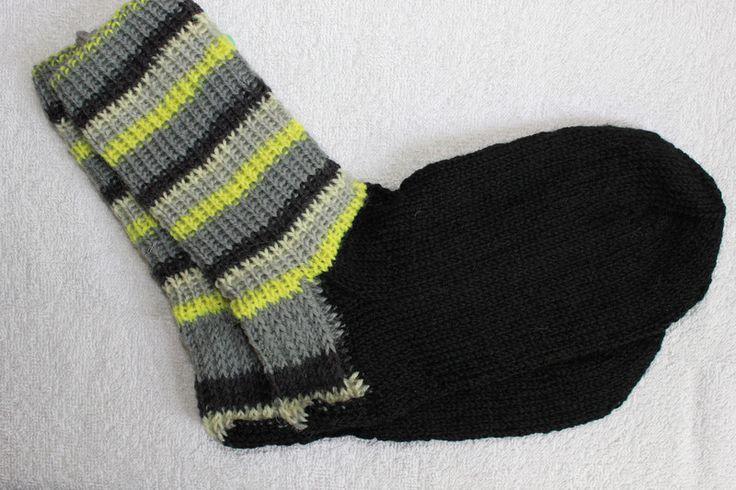 Weiteres - Handgestrickte Socken Gr. 36/37 neon-schwarz - ein Designerstück von bastelmaus19 bei DaWanda